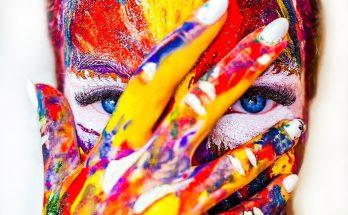 Gesicht mit Farbe