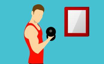 Mann der sich selbst optimiert durch Fitness